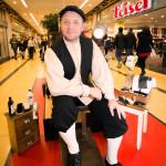 Christian Seifert ist der Schuhputzer. Foto: Hartmut Briese